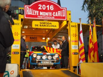 Gran expectació a la sortida barcelonina del Rallye Monte-Carlo Historique