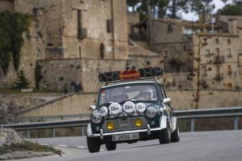 El 3r Rally Catalunya Històric-Rally de les Caves presenta el seu cartell amb la viticultura com a protagonista